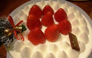 イブに食べるケーキはおいしかった~(●^o^●)_f0009169_839352.jpg