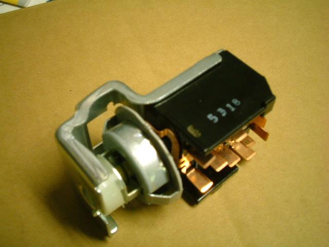 ボルボ V70 エステート ヘッドライトスイッチ 修理_b0123820_10594614.jpg
