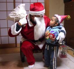 サンタが家にやってきたぁぁぁ!!!_c0058727_027470.jpg