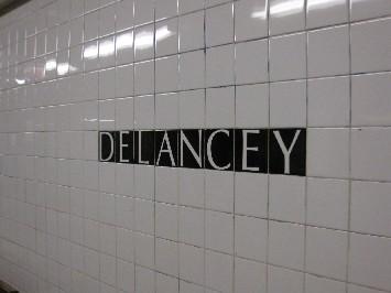 地下鉄(DELANCEY ST) _c0180971_1428358.jpg