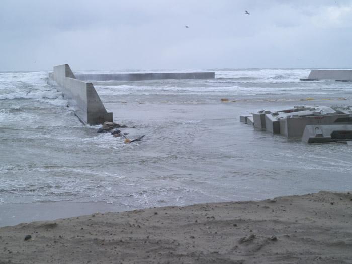 浜が消えてゆく_c0065410_20413963.jpg
