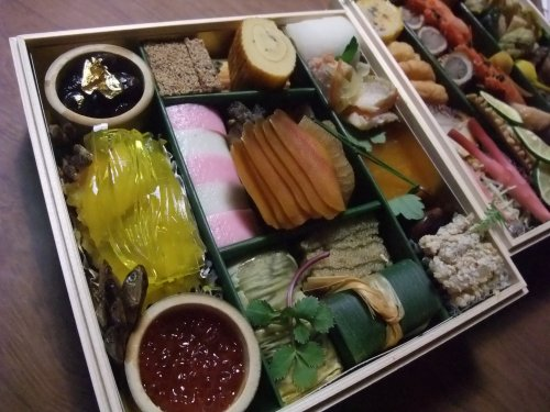 用賀「花邑」のお節料理_c0184265_20201556.jpg