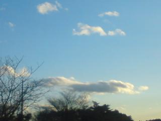 雲がファルコン!_f0064823_1645338.jpg
