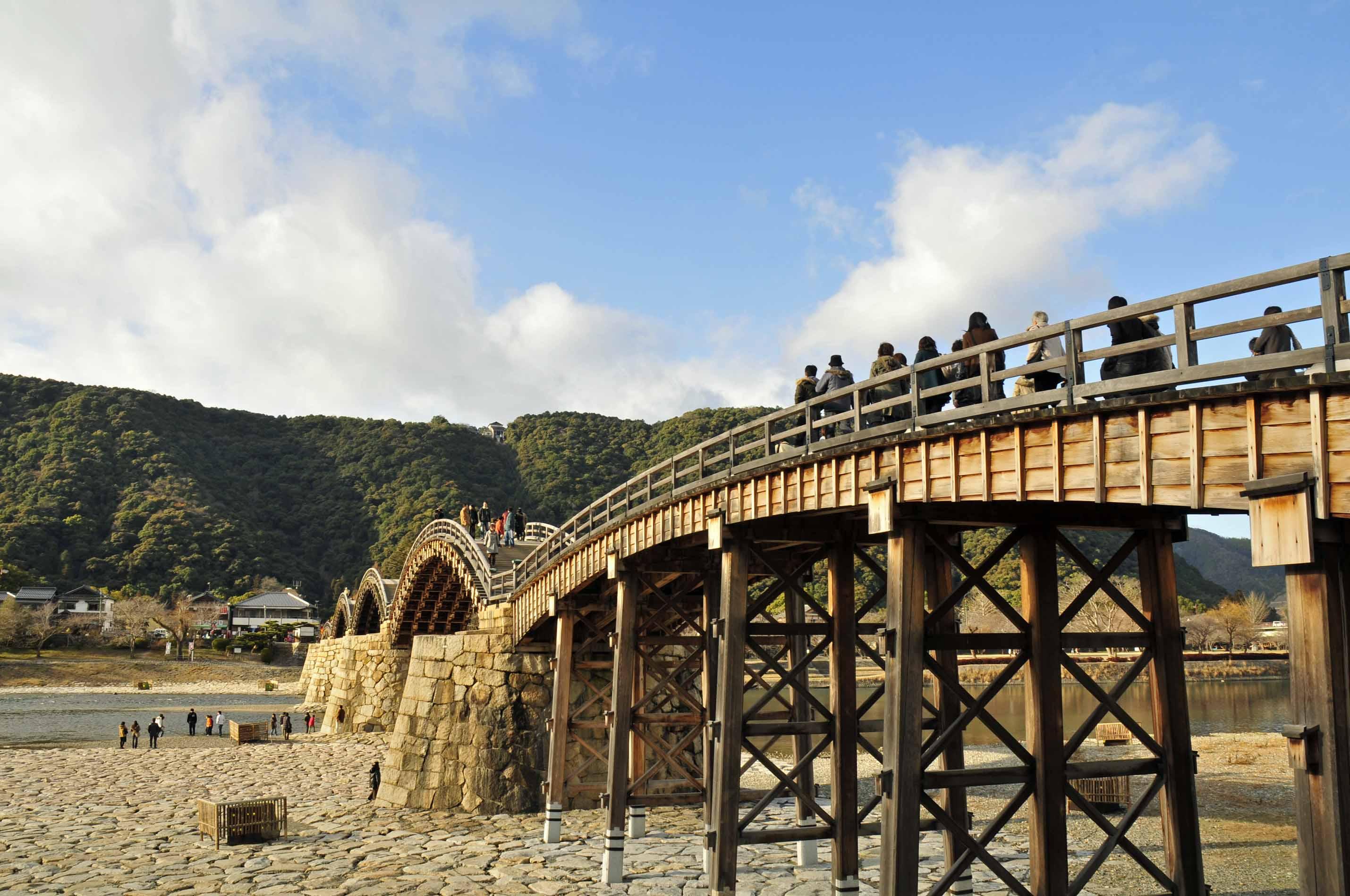 お城へと続く橋_e0157647_63848100.jpg