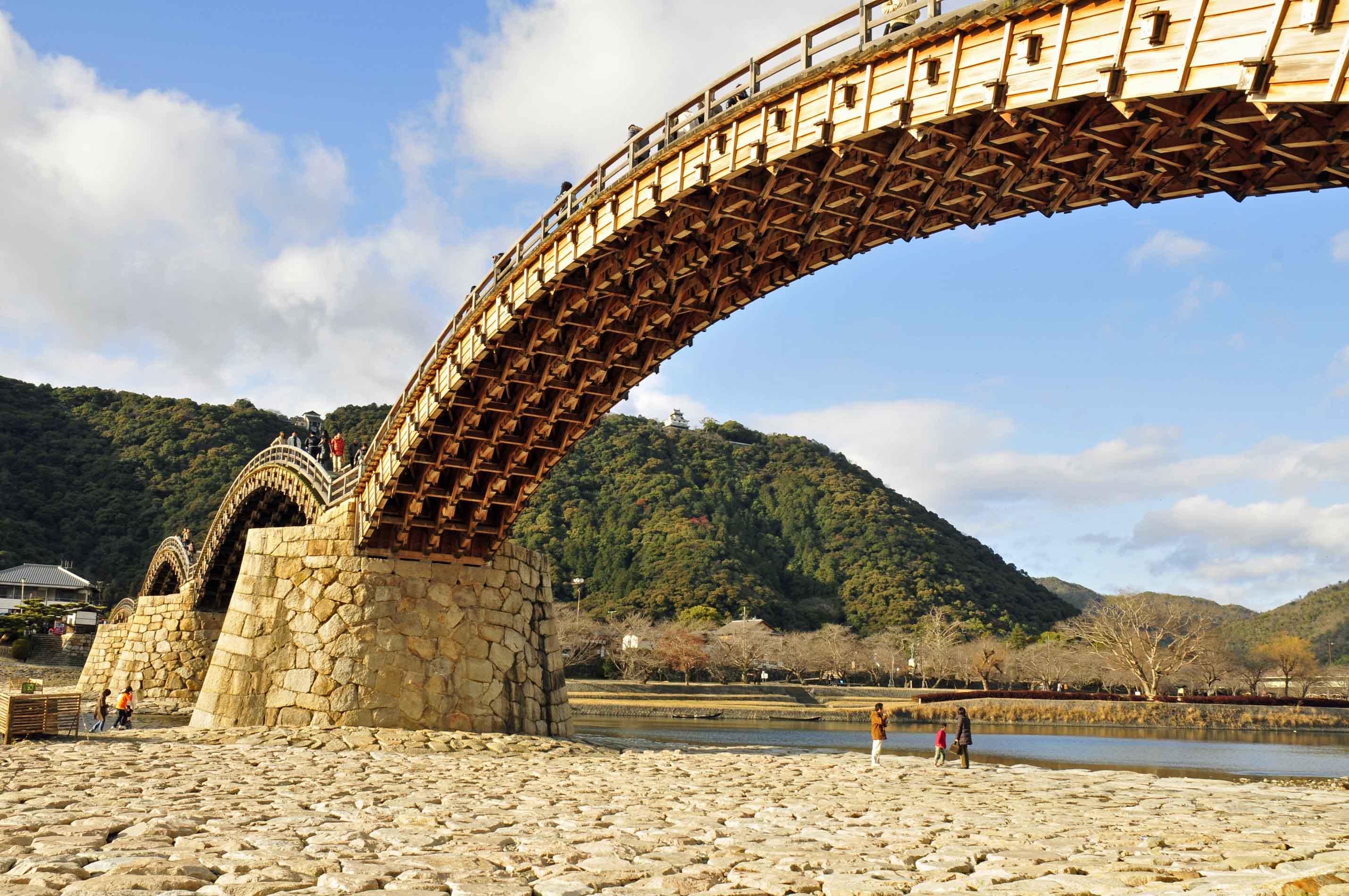 お城へと続く橋_e0157647_639957.jpg