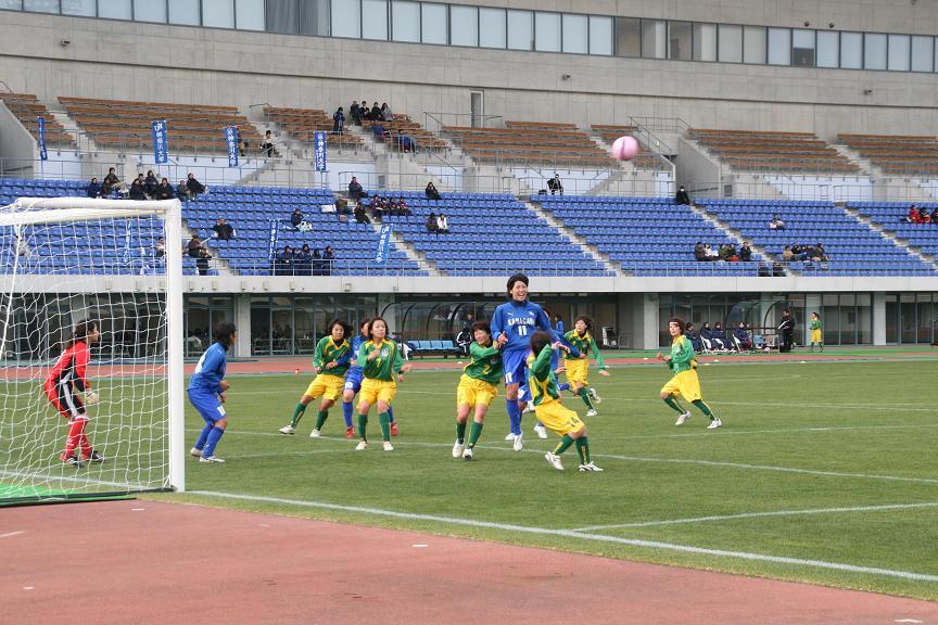 第17回 全日本大学女子サッカー選手権大会開催中(1/4~6)_d0107394_19331045.jpg