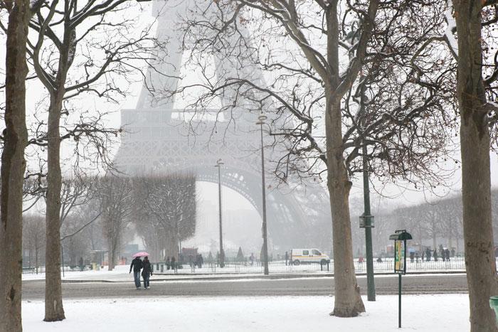 2009/01/06 パリに雪が降りました。_f0034922_23372136.jpg