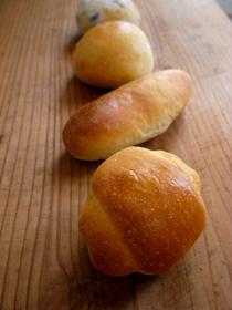 黒豆パン、その他ミニパン_c0110869_21521285.jpg