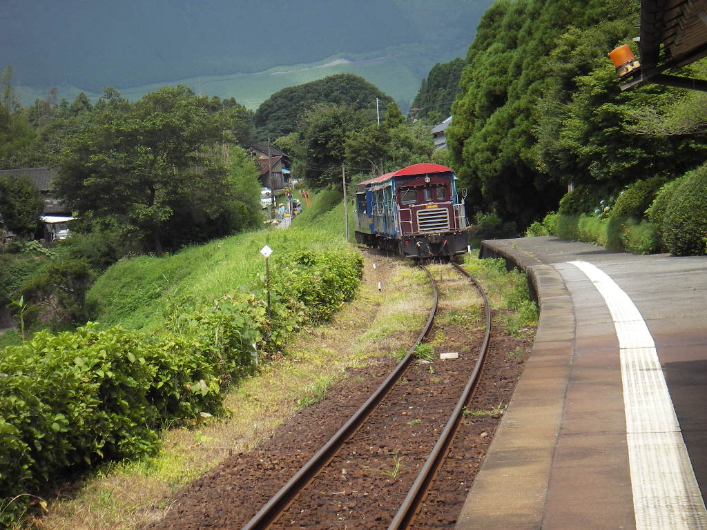 南阿蘇鉄道トロッコ列車の運行は夏・春休み期間以外は毎日運行はしていないの... オヤジ街道を行く