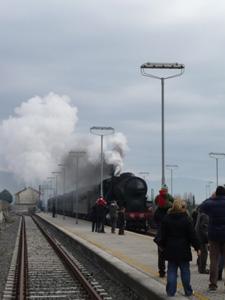 村に蒸気機関車がやって来た!_f0106597_22473438.jpg