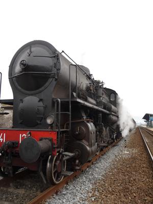 村に蒸気機関車がやって来た!_f0106597_2383923.jpg
