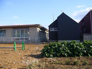「中庭のある家」の裏側_b0100094_14123062.jpg