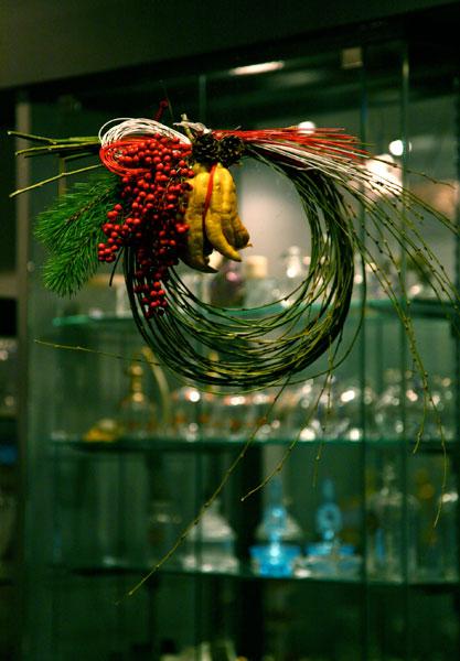 お正月飾り  しだれ柳と仏手柑のリース_c0108595_18302863.jpg