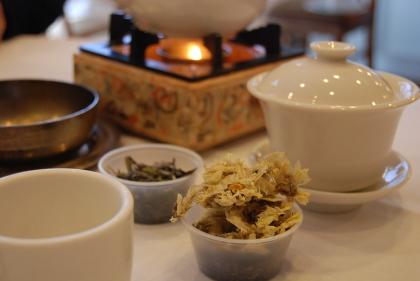 飲茶と飛行機と青い空 「TOP GUN」_d0129786_13393049.jpg
