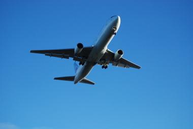 飲茶と飛行機と青い空 「TOP GUN」_d0129786_14531881.jpg