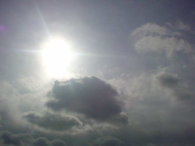 「太陽!発見!!」_e0051174_12441139.jpg