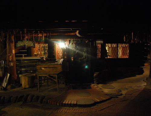 廃材建築のレストラン カナディアンファーム_c0177814_143445.jpg