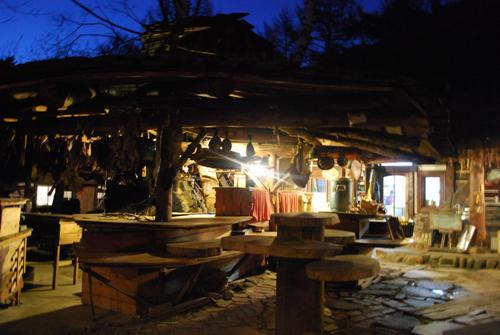 廃材建築のレストラン カナディアンファーム_c0177814_14354392.jpg