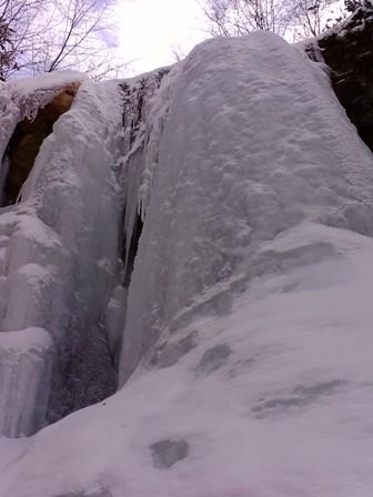 王岩の氷柱&山の神の氷瀑_f0198376_23182567.jpg