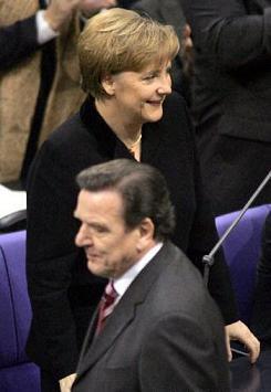 アンゲラ・メルケルはヒトラーの娘か? by David Meyer_c0139575_14384611.jpg