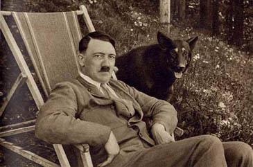 アンゲラ・メルケルはヒトラーの娘か? by David Meyer_c0139575_1521423.jpg