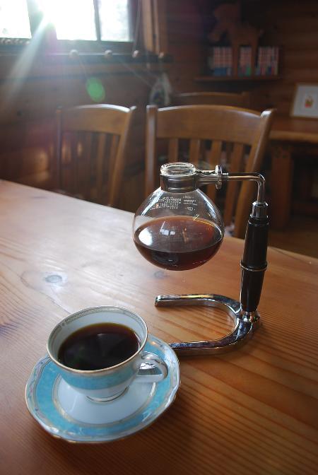 和風ログハウスの喫茶店 留暇_c0177814_9441552.jpg