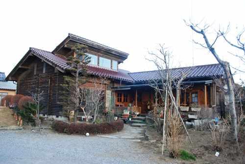 和風ログハウスの喫茶店 留暇_c0177814_9484418.jpg