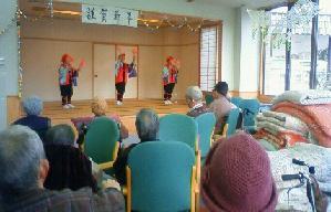 踊りのプレゼント_d0003224_16564327.jpg