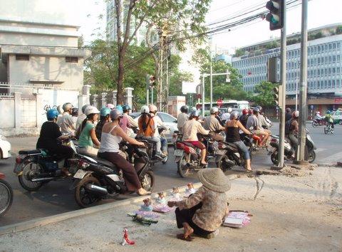 サイゴンはカオスの街_a0092659_15221750.jpg