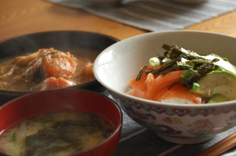 「和」超簡単レンジでチン☆鶏ともやしのレモンごま風味蒸し☆_d0104926_6451544.jpg
