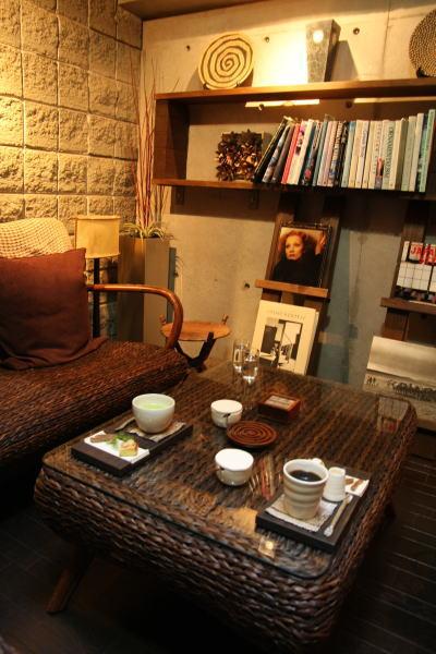 Café 憩いの時間     library と 呼ばれる 空間_e0155066_152016.jpg