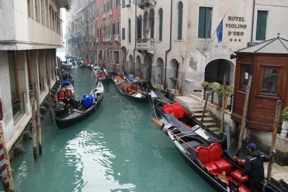 ヴェネツィア到着第一日目の様子から。_d0129786_1523962.jpg