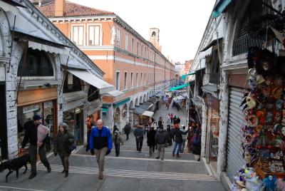 ヴェネツィアの魚市場でお買い物。_d0129786_057570.jpg