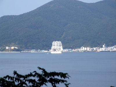 RRR・・・「日本丸が帆をあげてるよ。」_e0028387_1793074.jpg