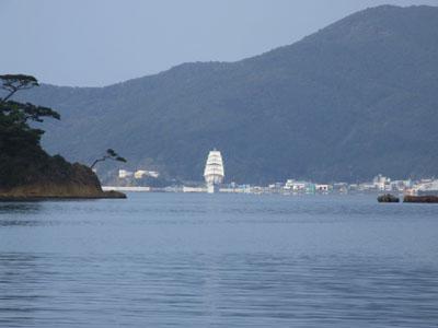 RRR・・・「日本丸が帆をあげてるよ。」_e0028387_179532.jpg