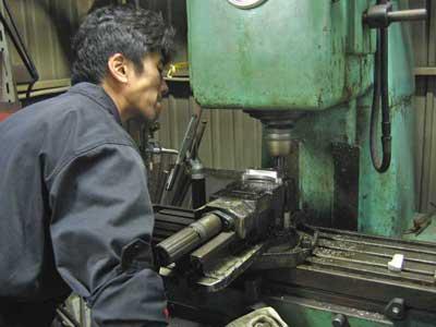 GPZ900Rニンジャに噂のブレンボキャリパーを装着♪_c0086965_18581184.jpg
