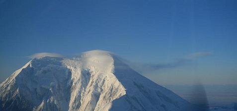 冬のデナリを飛ぶ ―マッキンレー山・サミットフライト―_b0135948_1146405.jpg