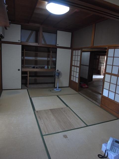 床板にナラ その下には 床暖房ゆかいーな_e0118649_0112498.jpg