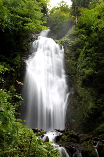 【覆い焼き】長時間露光で白くなりすぎてしまった滝を復活させる_c0168669_1440231.jpg