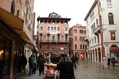 ヴェネツィア、ゴンドラの模型工房を探して。_d0129786_23561877.jpg