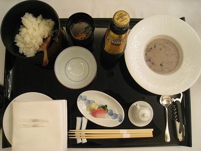 ラ・スイート神戸 ルームサービスで夜食_a0055835_16532333.jpg