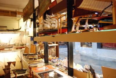 ヴェネツィア、ゴンドラの模型工房を探して。_d0129786_0154459.jpg