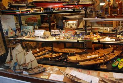 ヴェネツィア、ゴンドラの模型工房を探して。_d0129786_0254480.jpg