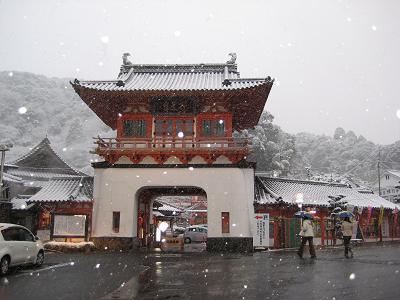 楼門雪景_f0040201_1823885.jpg