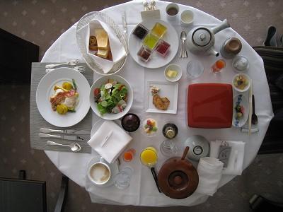 ラ・スイート神戸 ルームサービスで朝食_a0055835_13274647.jpg