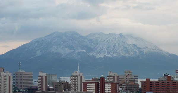 雪化粧の桜島_d0030373_22533190.jpg