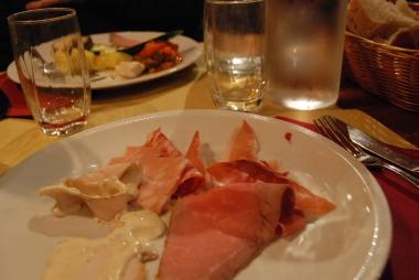 ヴェネツィアでイタリア料理のビュッフェに行く。_d0129786_15513757.jpg