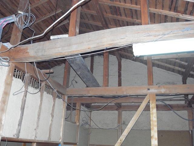 屋根裏部屋 隠し部屋_e0118649_2363992.jpg