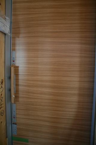 中庭の窓入りました 1/25_f0198764_22143365.jpg