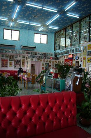 50\'s cafe._c0153966_19514160.jpg